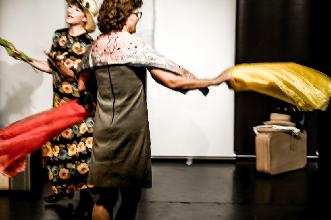 2021-07-15-EchtJetzt-4Dialog-Theater_Damen