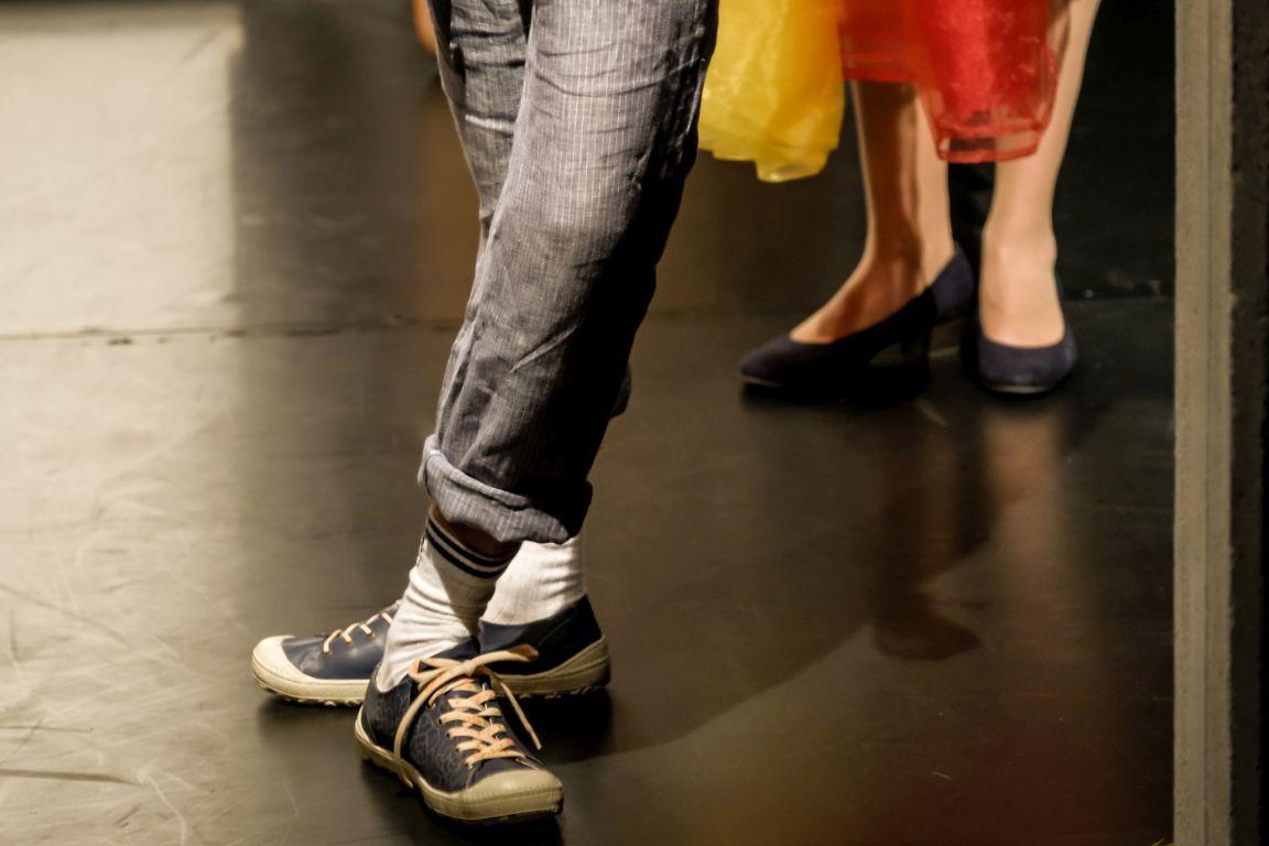 2021-07-15-EchtJetzt-4Dialog-Theater_Schuhe